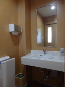 待合室のトイレが新しくなりました!